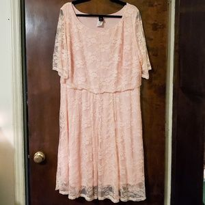 Wrapper   Peachy Pink Floral Lace Dress 3X